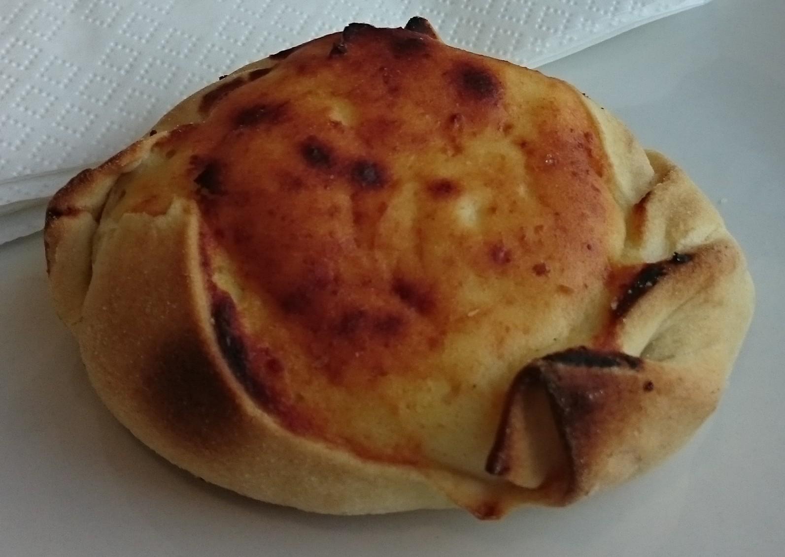 de mel (sugar cane honey biscuits) Bolo de mel (traditional Madeira ...