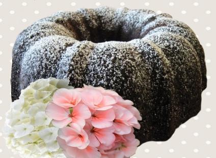 cake dusted sugar